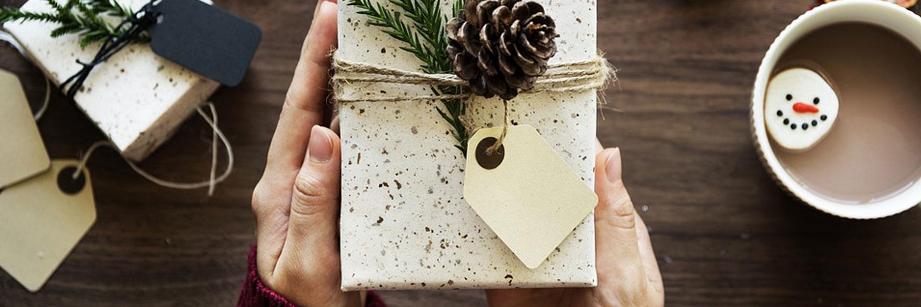 Header_Geschenke-fuer-wenig-Geld-zu-Weihnachten-%E2%80%93-Checkliste_1800x600.jpg